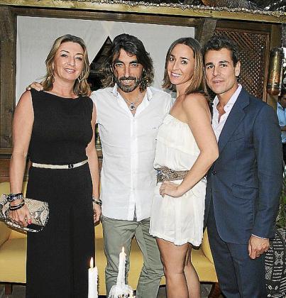 María José, Javier, Cristina Hidalgo y Javier Blanco