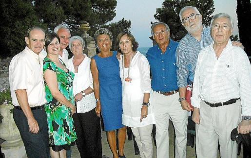 Antonio Lopera, Margarita Dahlberg, Lluís Pinya, Amparo, María Ramón, María de los Ángeles Peruchet, Román Muret, Joan Martorell y Fernando Mulet.