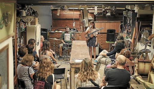 Abigail y la Cosa del Pantano y Le Parody fueron participaron en la primera edicion del Festival Domèstic.