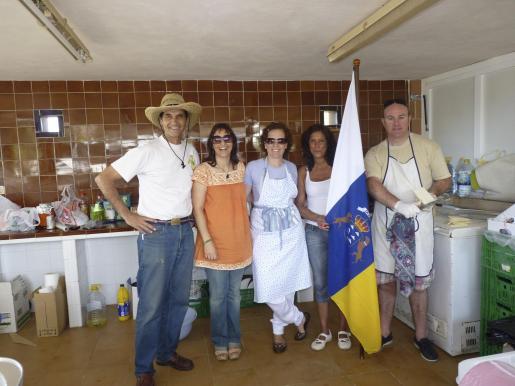 Carlos Alemán, María Luisa Fernández, Celia Fajardo, Cornelia Díaz y Alberto Miró, excelentes anfitriones.