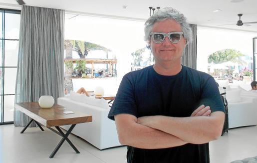 Christian Escribá ayer en la recepción de Destino Pacha Ibiza Resrot se muestra contento y satisfecho de este trabajo tan novedoso.