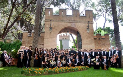 Los integrantes de la Orquestra Simfònica de Balears, junto a Victoria Maldi y Tomeu Penya, serán los protagonistas del Concert de la Lluna a les Vinyes.
