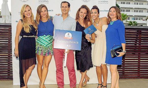Leticia Lope, María Juan de Semenat, Óscar González, Alice Von Gayling, Nerea López y Helga Velasco.