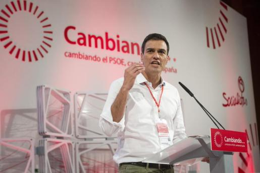 El nuevo secretario general del PSOE, Pedro Sánchez, durante su discurso tras ser proclamado esta tarde en el congreso federal extraordinario del partido.