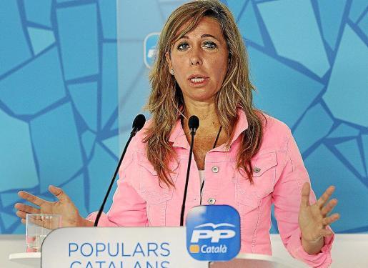 La presidenta del PPC, Alicia Sánchez-Camacho, durante la rueda de prensa que ofreció ayer.