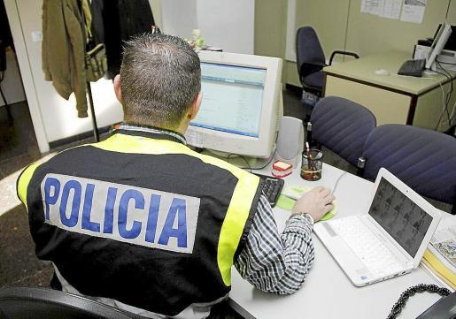 La policía investigó los hechos y detuvo al pequeño empresario por la presunta estafa.