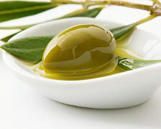 El aceite de oliva con denominación de origen Oli de Mallorca es el ingrediente principal de las recetas de este concurso.