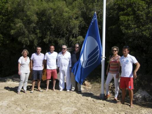 Representantes municipales y turísticos asistieron a la presentación de las banderas azules en las playas «felanitxeres».