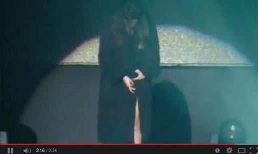 Laura Pausini en el momento embarazoso de su concierto en Perú.