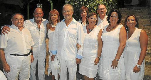 Amado Contell, Abelardo Arcebal, Cecilia Vera, Francisco del Rey, Paqui Volante, María del Cerro, Ramón Marín, María Pulido y María Jiménez.