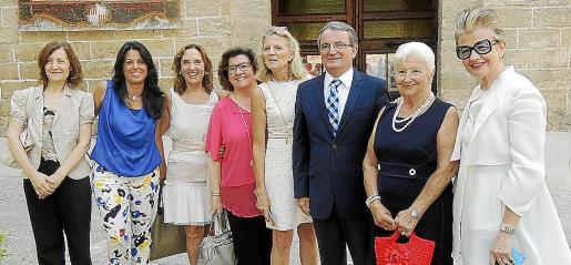 Catalina Sureda, Esperanza Crespí, Paquita Deudero, Catalina Cirer, Toya de la Vega, Joan Rotger, Paquita Tomás y Rosa María Regi.