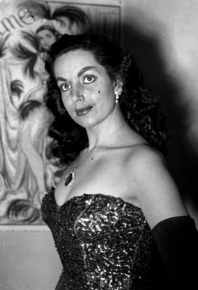 """Fotografía de archivo tomada en 1951 de la """"vedette"""", actriz y cantante Carmen Forns Aznar, que reinó en el Paralelo de Barcelona en los años 50 bajo el nombre artístico de Carmen de Lirio."""