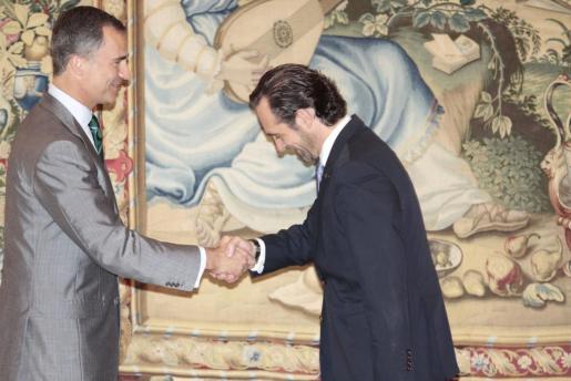 Felipe VI, recibiendo a José Ramón Bauzá en La Almudaina.