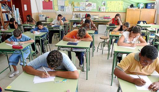 Alumnos de 6º de primaria de Baleares se someten a una evolución de nivel.