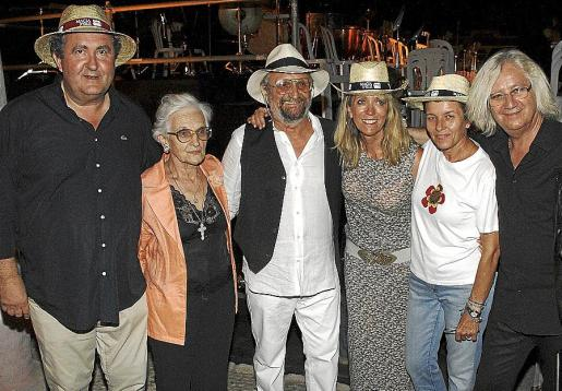 Ramon Servalls, Montserrat Bennàssar, Tomeu Penya, Lina Pons, Carmen Serra y Simón Pocoví .