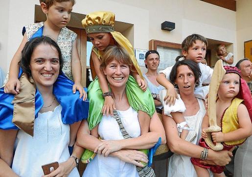 Marga Guash, Cosme Borràs, Jordi Pau Cells, Wendy Toneman, Ana Berrocal, Lluc Verd y Vicenç Verd.