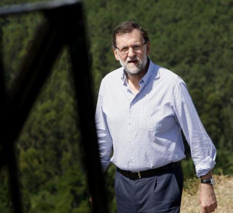 El presidente del Gobierno Mariano Rajoy ha visitado el Mirador de A Lobeira en Vilanova de Arousa.