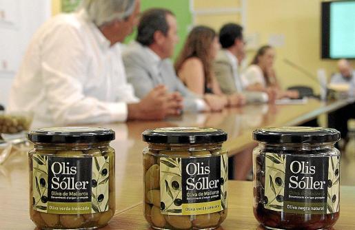 La comercialización de las distintas variedades de aceitunas mallorquinas con el sello de la denominación de origen garantiza tanto su calidad como la elaboración. g Foto: JOAN TORRES