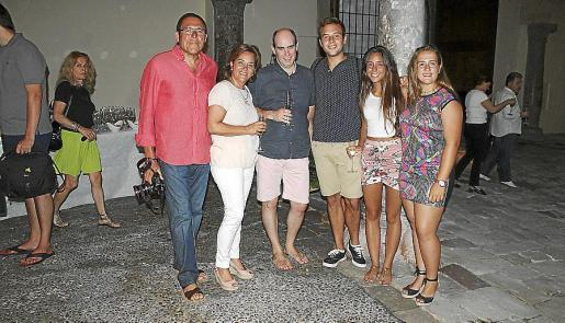 Juan Carlos Soler, Lita Ochoa, Jaume Fiol, Carlos y Laura Soler, y Marina Ribas.