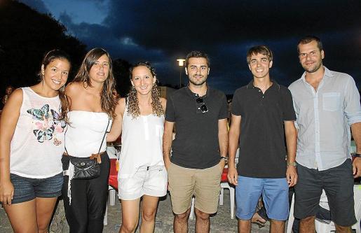 Marina Caldentey, Mireia Cortada, Sílvia Vila, Tomeu Guiscafrè, Bernat Font y Miquel Balaguer.