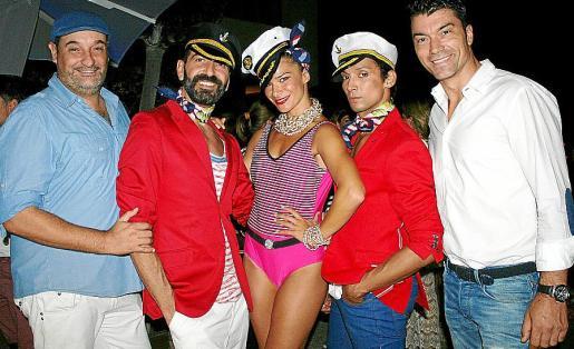 Barney, Juan Hidalgo, Diana Fernández, Arturo Anglada y Santi Cebrián.