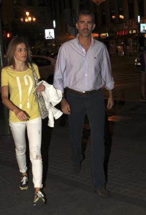 Felipe y Letizia en su visita nocturna al cine en Madrid el pasado viernes.