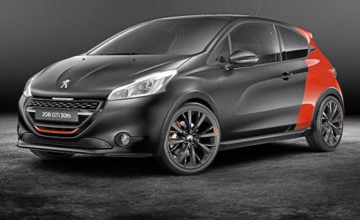 El nuevo Peugeot 208 GTI 30th tiene un estilo más deportivo.
