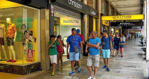 Cort ha recaudado el doble por la apertura de establecimientos entre enero y julio de 2014 que en el mismo periodo del año anterior.