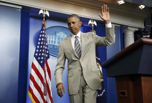Barack Obama, con su traje beige.