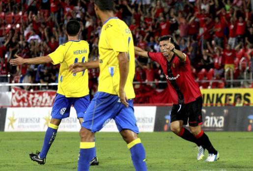 Pep Lluís Martí celebra el gol del empate.