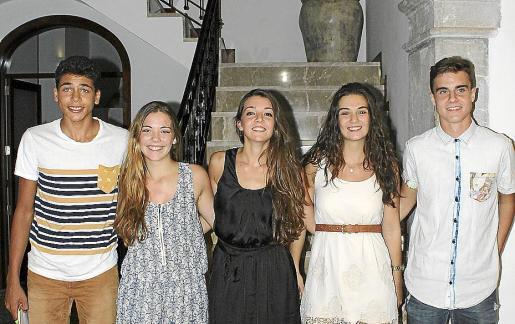Sergi Oliver, Maria del Mar Nicolau, Aina Bestard, Àngela Maria Terrassa y Juan Miquel.
