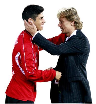Marco Asensio junto a Valeri Karpin.