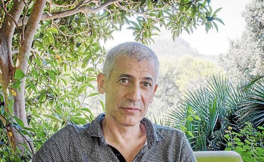 El escritor José Ovejero, durante la entrevista con este diario.