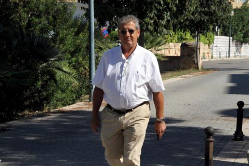 El abogado Eduardo Valdivia acudió ayer a la Guardia Civil para la declaración de Ledesma.
