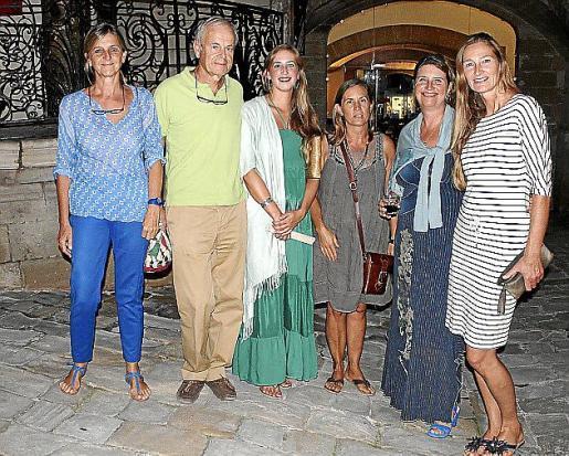 Ana Torán, Jesús Ortega, Mary Lambourne, Isabela Lleó, Ien Van Wierst y Katrin Kirk.