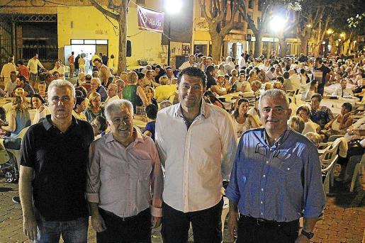 Josep Melià, Antoni Mir, Miquel Llompart y Jaume Font, el viernes por la noche en Alcúdia.