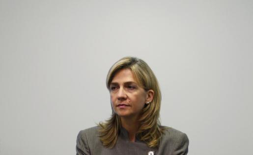 La infanta Cristina durante una rueda de prensa el año 2009, poco después de conocer la intención del juez de imputarla por el caso Nóos.
