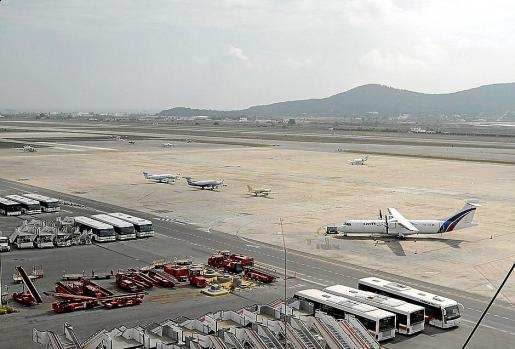 Imagen de la zona privada del aeropuerto de Eivissa, donde aterrizó el jet proveniente de Suiza.