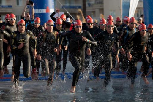 Imagen de un triatlón celebrado en Alcúdia el pasado mes de mayo.