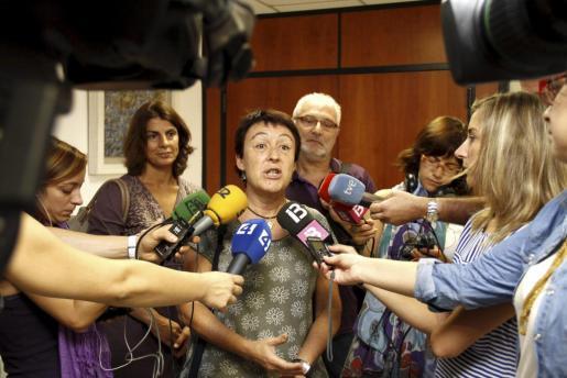 La secretaria general de la agrupación sindical, María Alarcón, tras la reunión con la consellera.