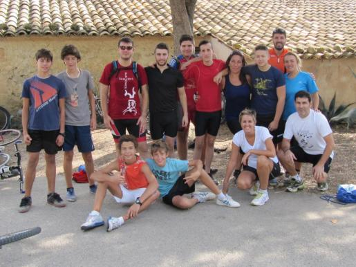 Los participantes realizaron unos 30 kilómetros por caminos de distintas superficies.