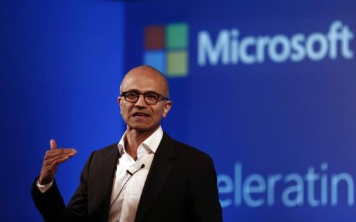 Satya Nadella, CEO de Microsoft, durante la presentación de Windows 10.