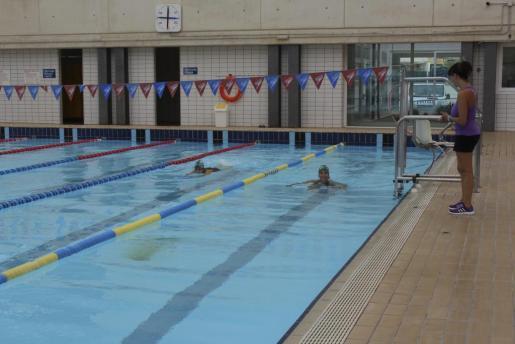 La piscina cubierta de Inca abrió sus puertas, tras las mejoras realizadas por el Consistorio.
