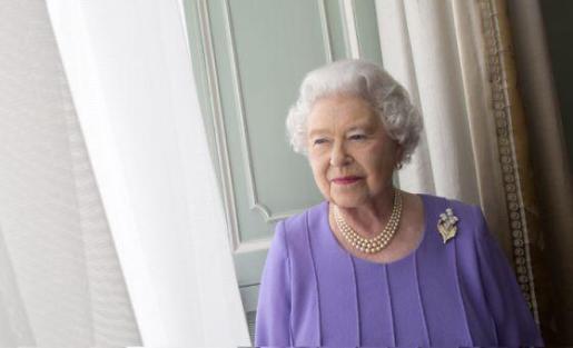 Isabel II, en una reciente fotografía oficial.