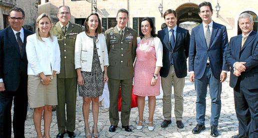 Josep Roquer, Luisa Hernández, Joan Ramis, Montserrat Jaén, Fernando Aznar, Sonsoles Guillén, Jesús Valls, Fernando Gilet y Manuel Fernández-Roca.