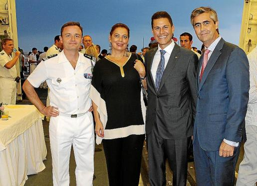 Emmanuel Slaars, Raquel Villamil, Othman Ktiri y Michel Magnier.
