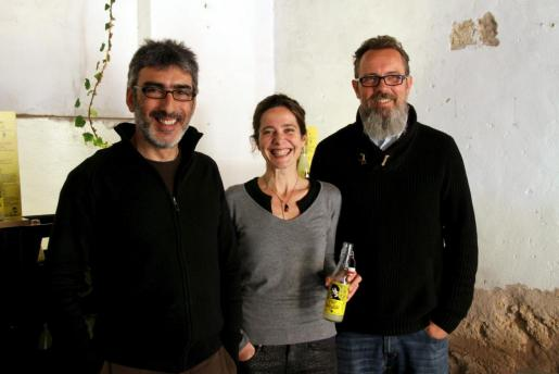 Tomeu Riutord, Carmen Verdaguer y Christoph Hafner, fundadores de Pep Lemon, durante la presentación del refresco.