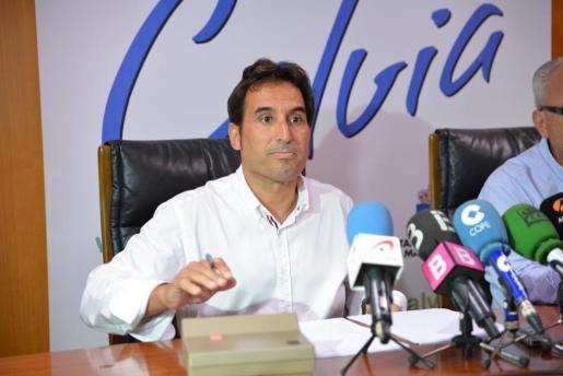 El alcalde Manuel Onieva indicó que se procedió a la apertura de una información reservada sobre el tema para establecer las actuaciones pertinentes.