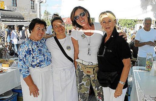 Ana Küsters, Doris Daberkow, Lissy Prietzel y Gerry Wulms.
