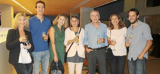 Marga Berga, Fernando Mir, Teresa Luna, Carmen Lladó, Pedro Pujol, Carmen Prieto y Pedro Darder.